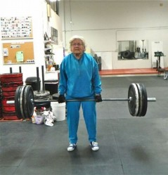 grandma-lifting-weights-500x521